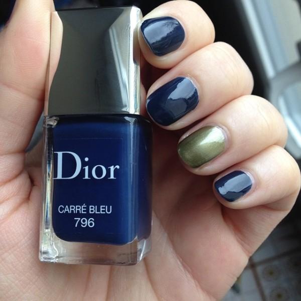 carre_bleu_dior1