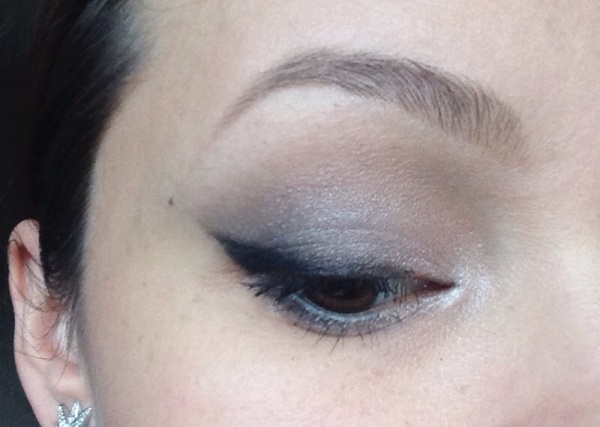maquillage smokey grey burberry